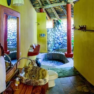 Costa Rica - Bathroom