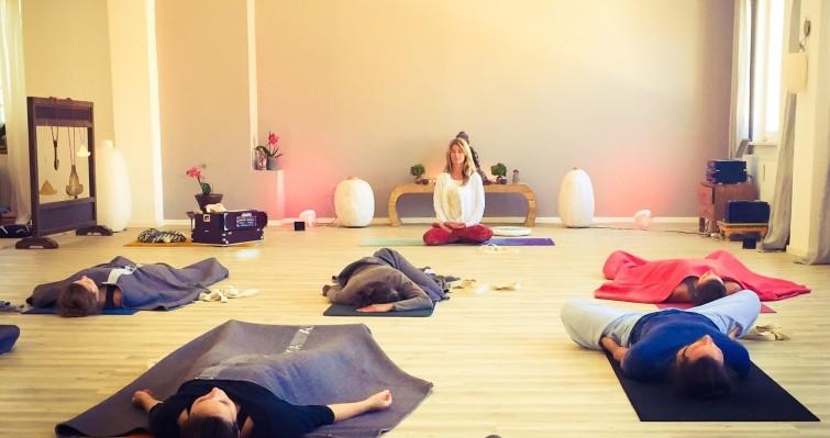 Yoga München Susanne Teaching