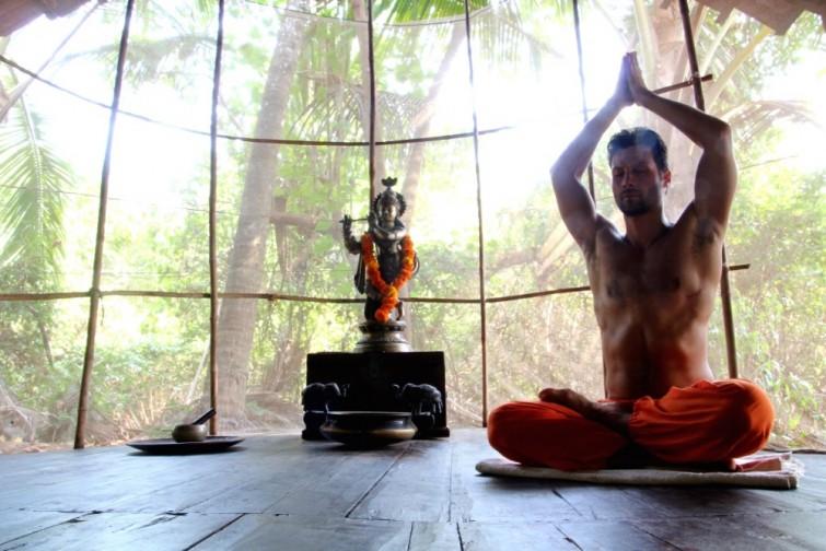 Yoga München / JIVA/ANANDYOGA SHALA MAXVORSTADT / Yoga Retreat Goa András