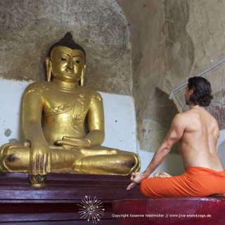 JIVA/ANAND Yoga München / Burma1